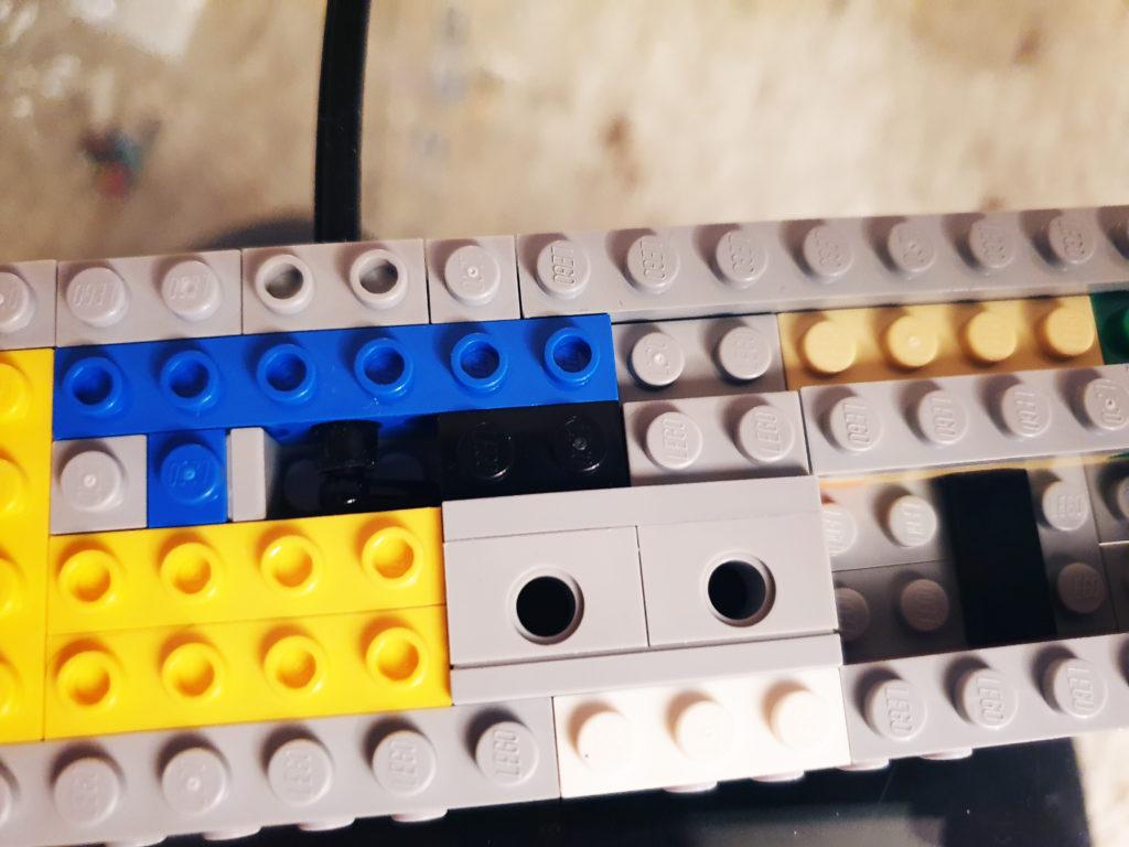 Innmaten på spillkontroll for Lego NES