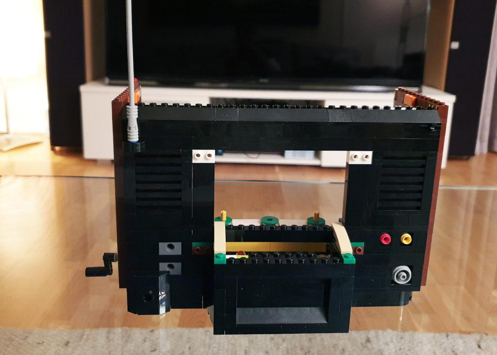 Lego NES-TV bakfra