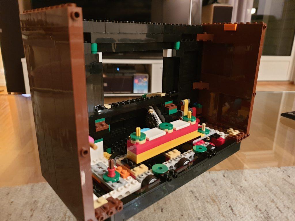 Innmat på Lego NES-TV