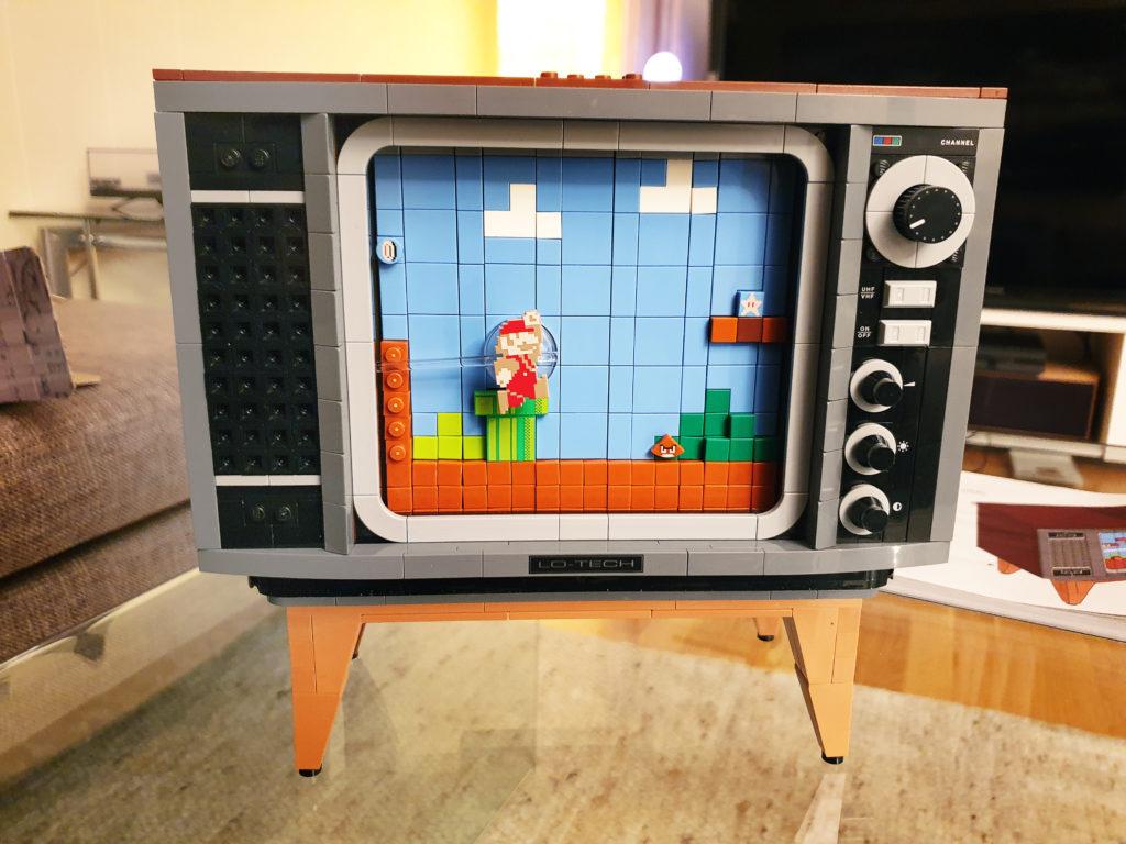 Lego NES-TV forfra