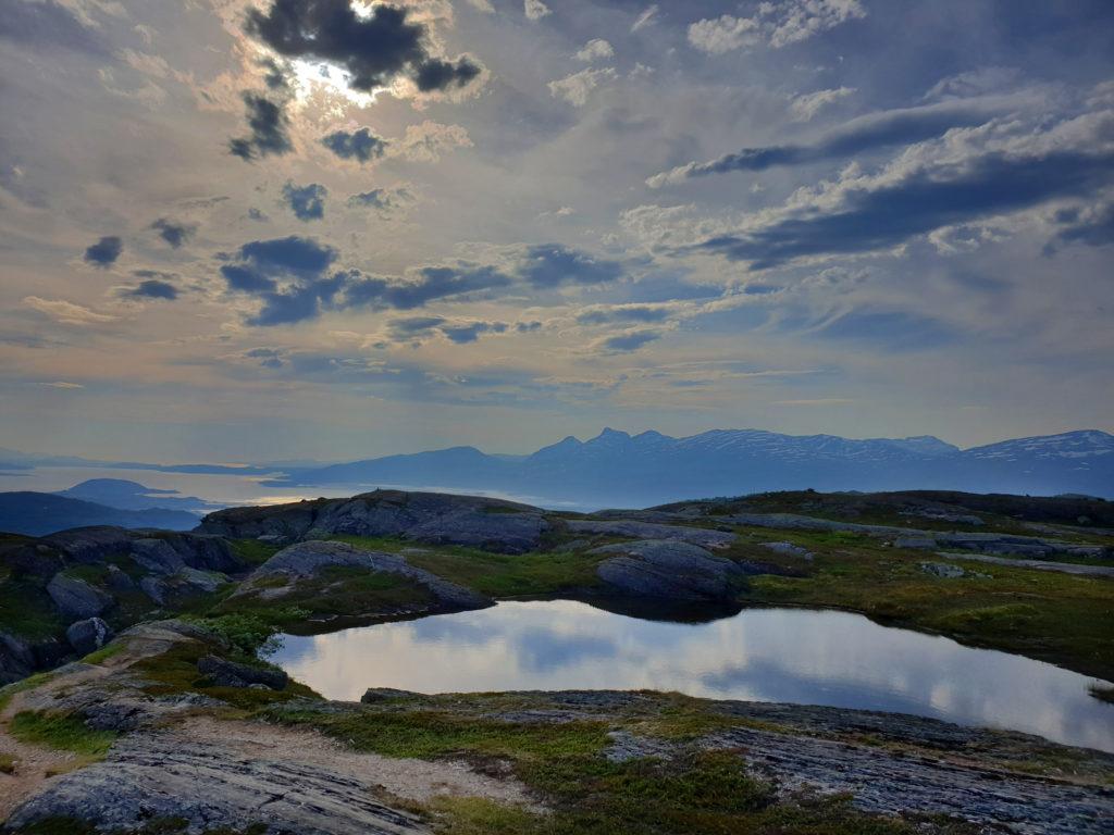 Utsikten mot Bodø fra toppen av Storsteinsfjellet.